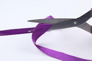sew-multicolored-inauguration-scissors_3212444